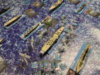 Une deuxième attaque est lancée sur la Force Mobile Japonaise, mais cette fois ci, il n'y a plus de zéro en couverture et surtout ce sont des Dive Bombers , accompagnés par une escorte de Wildcats, auxquelles se joignent des B17....Le Porte avions Hiryu, le Croiseur lourd Chikuma ainsi que le destroyer Isokaze n'y survivront pas...
