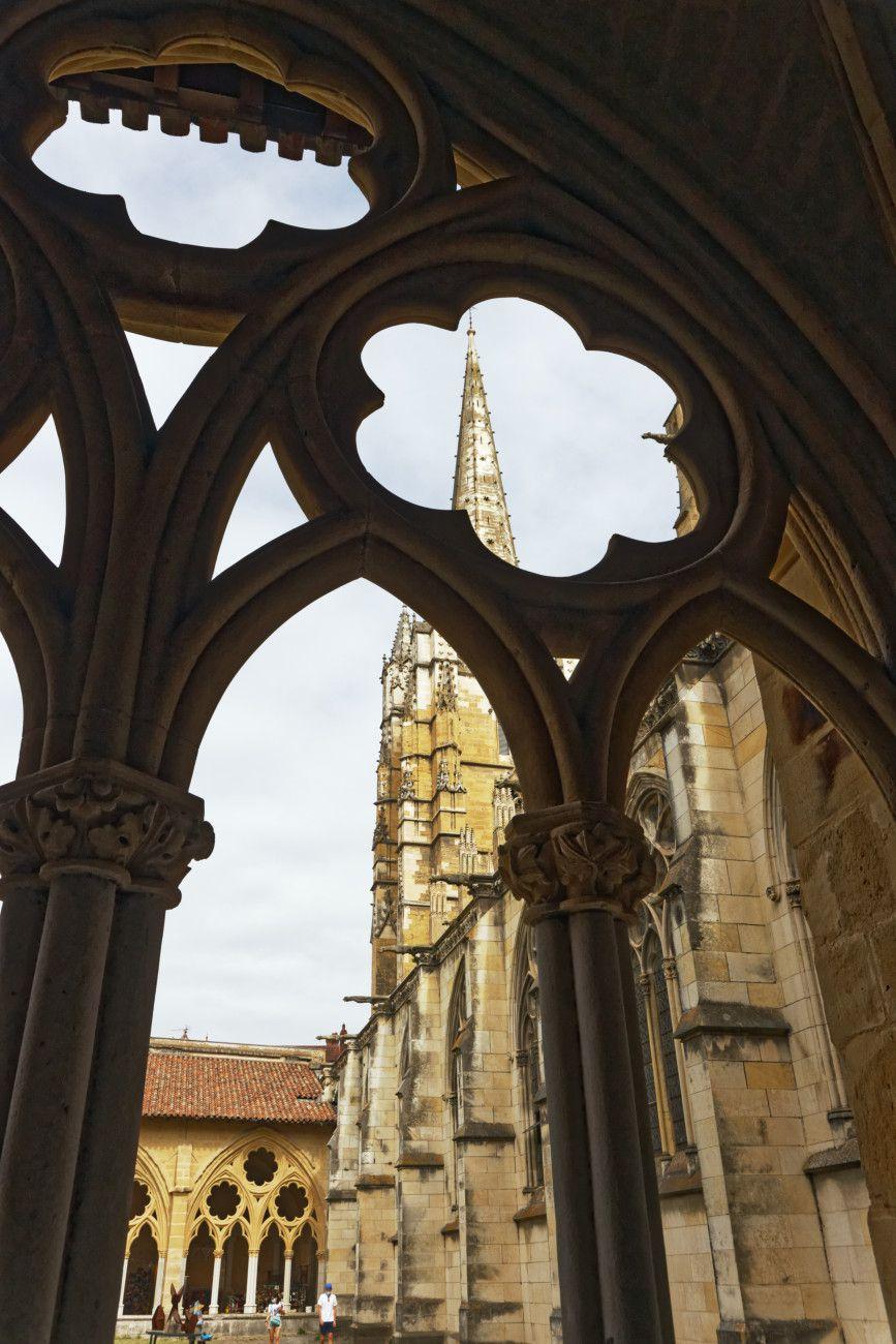 Bayonne -4 - le cloître et la cathédrale