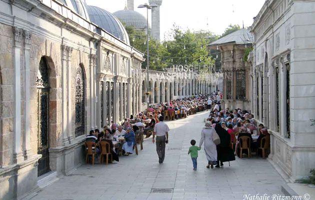 Un dimanche de Ramadan à Eyüp, lieu de pélerinage à Istanbul - 1