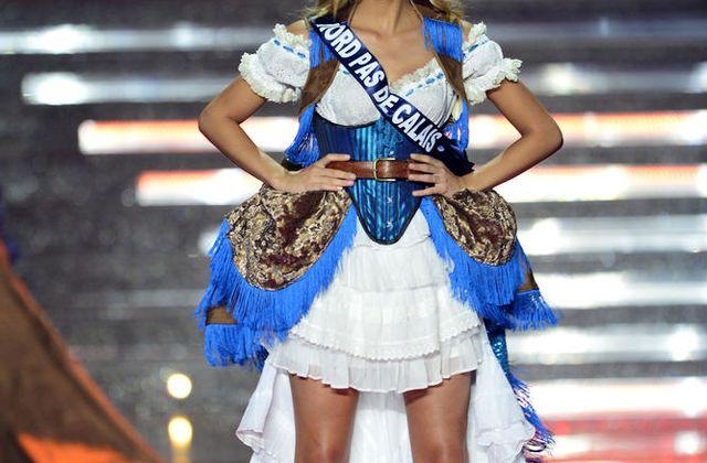 Camille Cerf, miss Nord - Pas de Calais, est élue Miss France 2015.