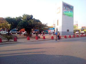 New Look au centre ville de Bujumbura, un écran géant pour les citadins