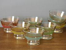 7 coupes en verre granité de couleur Années 60 - Vintage
