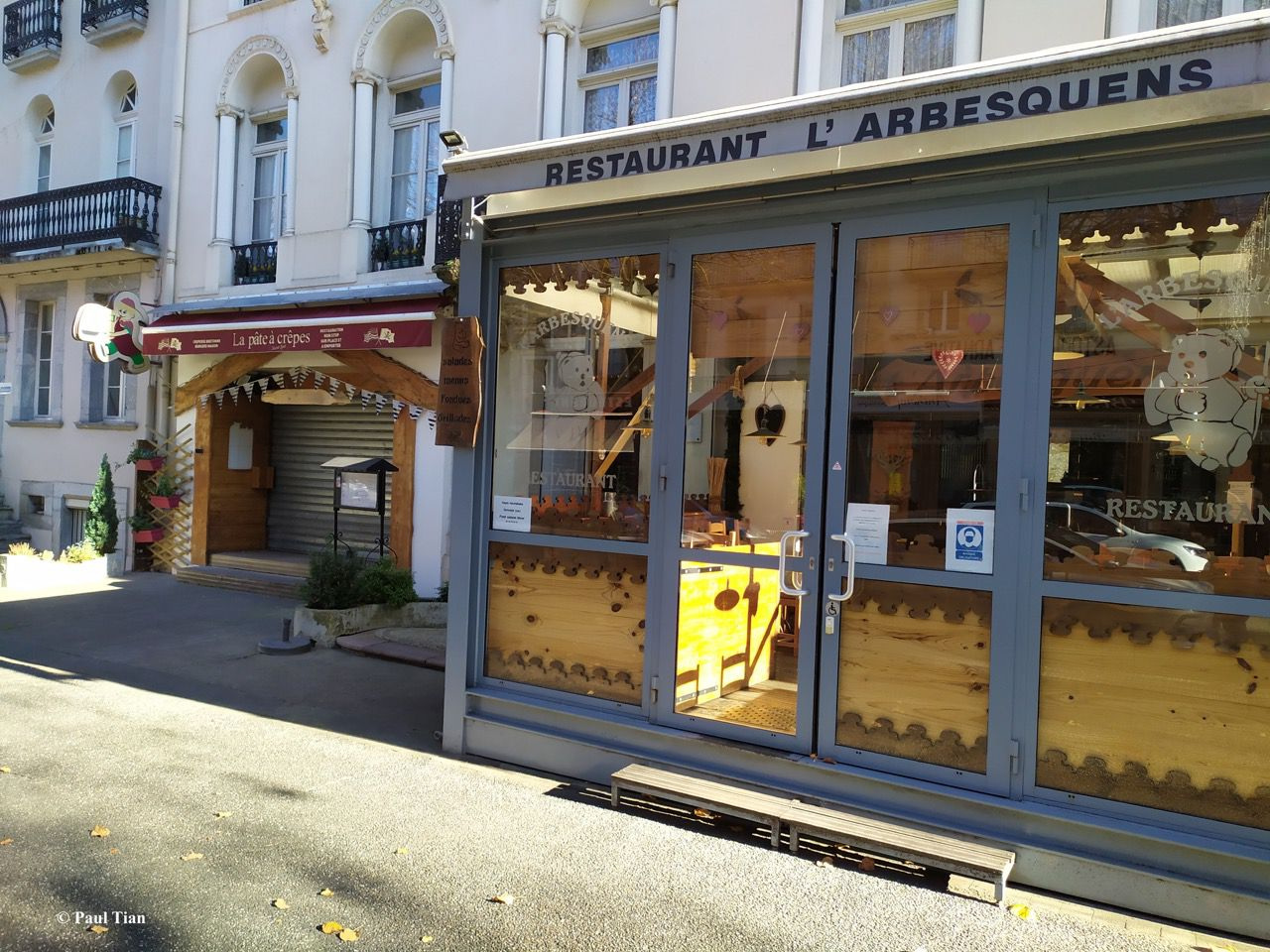 "Bars, restaurants : ""Putain, deux mois !"""