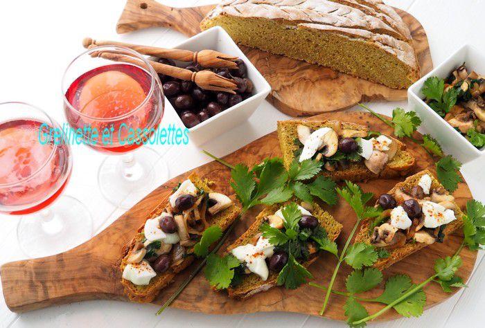 Bruschettes De Champignons à la Mozarella fondue, Pain au Curcuma et à la Sauge, et Astuce