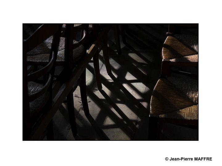 Et si d'autres que Ionesco s'intéressaient aux chaises.