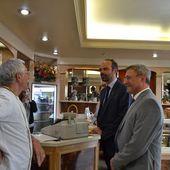 Le premier ministre rend visite à la pâtisserie Bernard - Vierzonitude