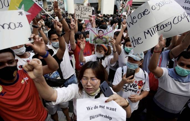US announces sanctions, asks Myanmar military to free leaders