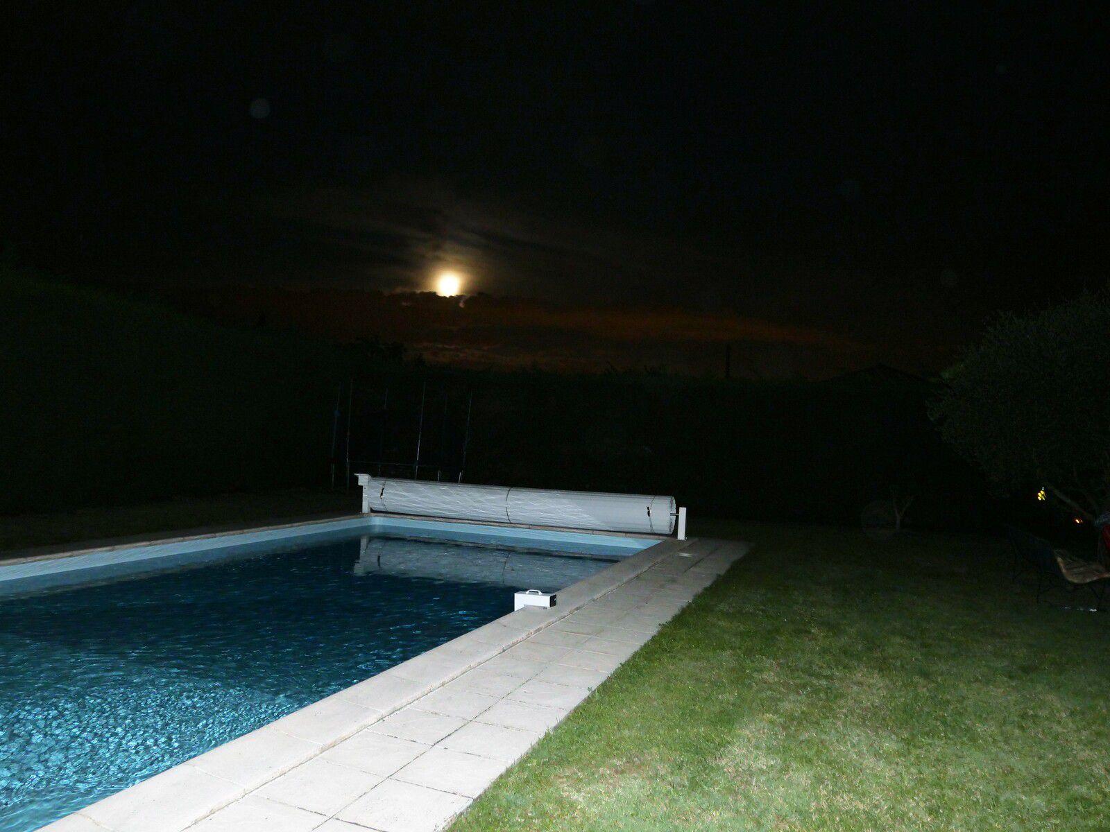 Sous la pleine lune.....