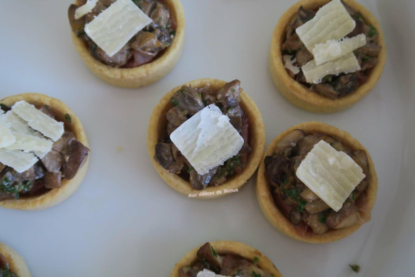 Tartelettes aux champignons à la crème et coppa
