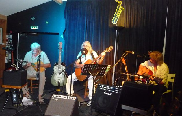 RETIRED BLUES BAND