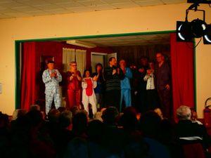 Salle comble à Hyenville pour la troupe de théâtre de Regnéville.
