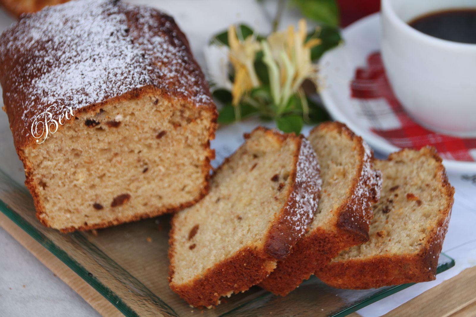 Cake à la châtaigne, figues et noisettes