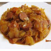 Potée de chou et pommes de terre aux saucisses fumées - www.sucreetepices.com