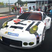 Porsche crée la surprise en exposant une 911 RSR en lego - Palais-de-la-Voiture.com