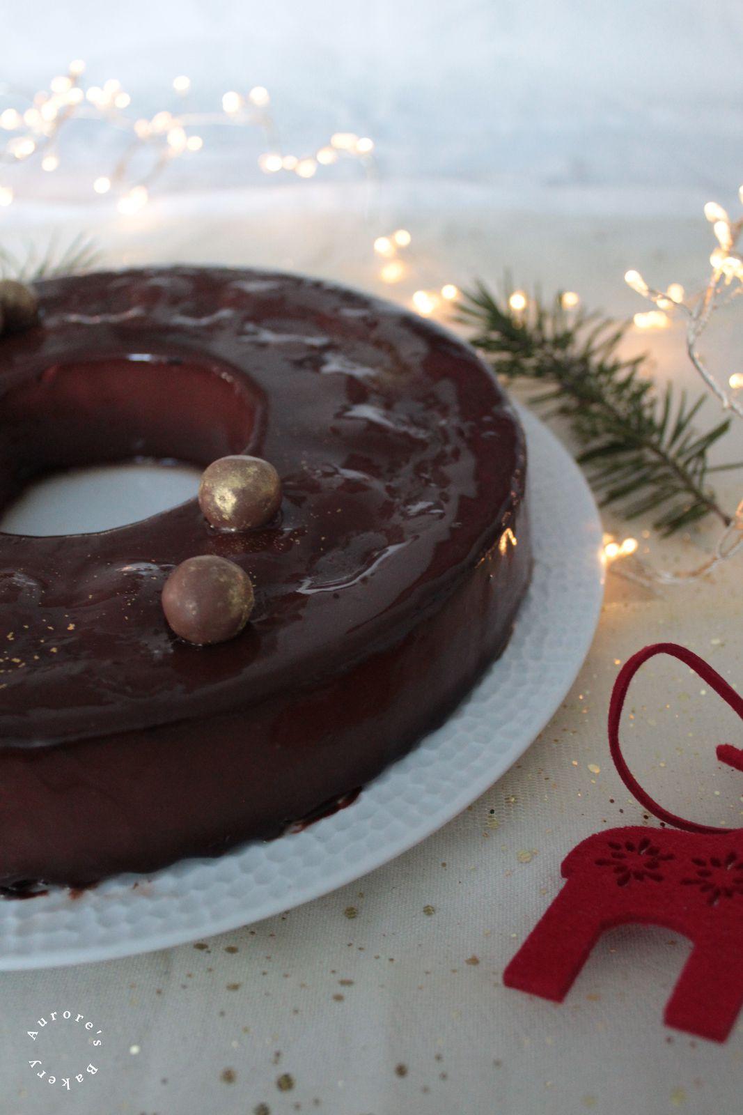Couronne de Noël façon Poire Belle-Hélène. {Entremet vanille, chocolat et insert poire }.