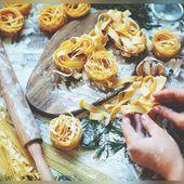 Grâce à son astuce, elle réalise des pâtes fraîches très facilement sans machine