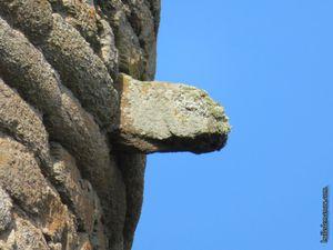 Quelques détails sur les pans de murs du château et le donjon