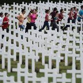 """""""Choquante"""", """"indapatée"""", """"vulgaire""""... La cérémonie du centenaire de Verdun déplaît à la droite et au Front national"""