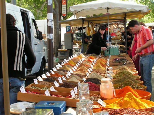 Arles, Avignon, camargue, tourisme