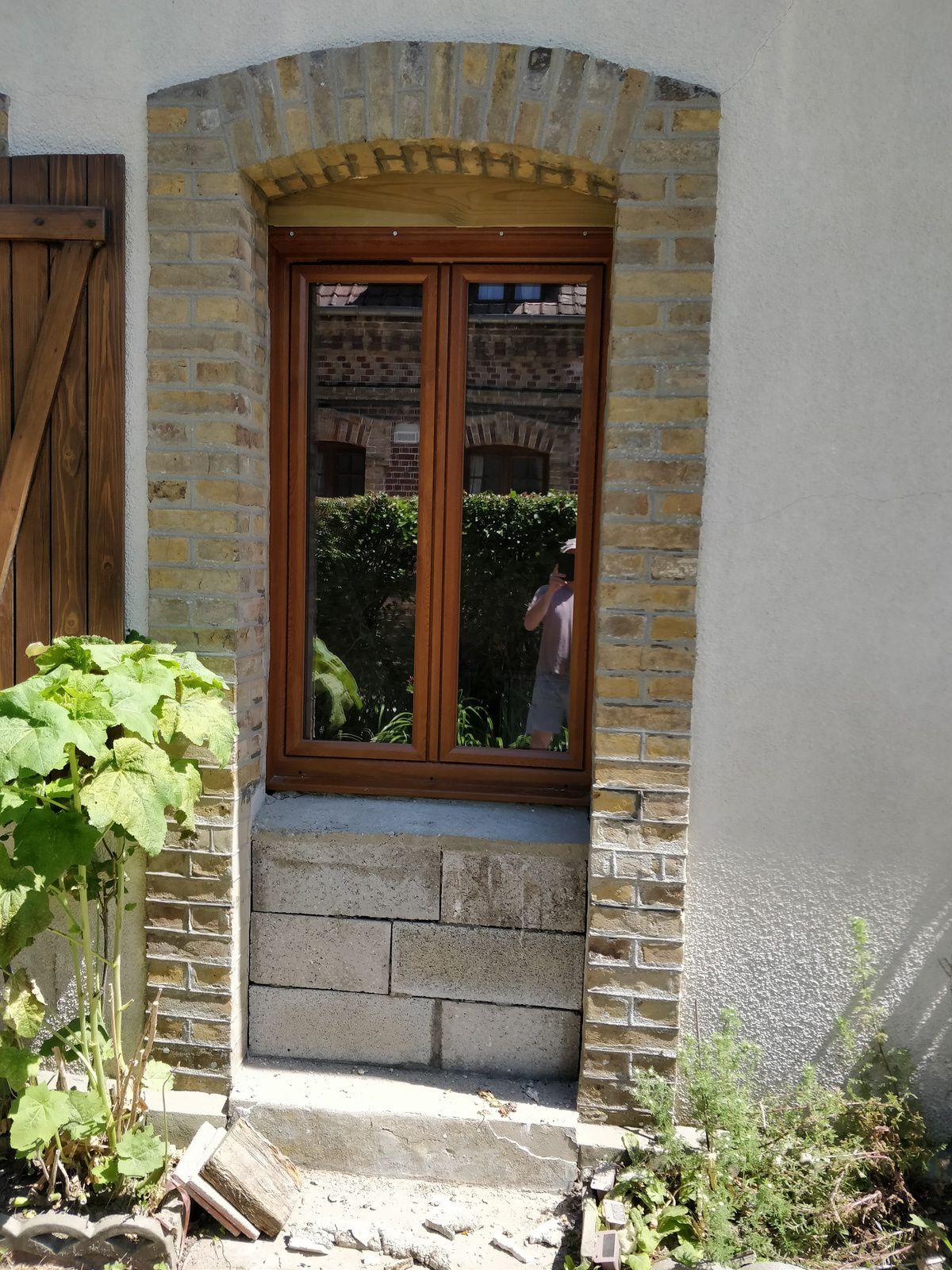 remplacer une porte par une fenêtre