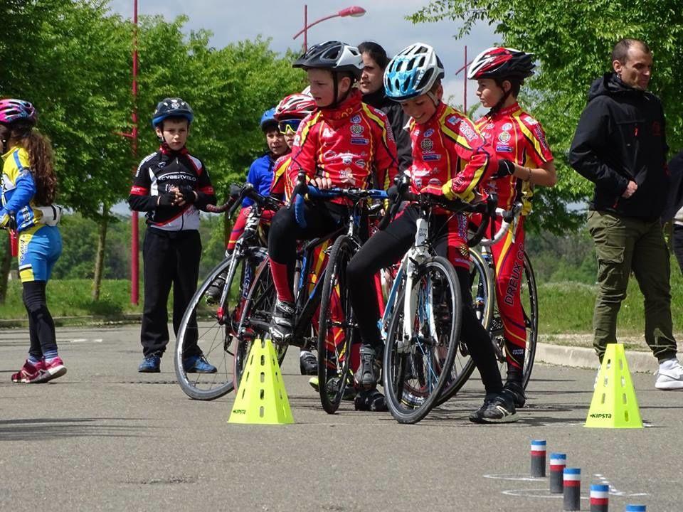 Album photos de le réunion école de cyclsime du 1er mai à dreux (28)