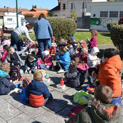 Voyage à Lathus pour les élèves de maternelle - lundi 25 avril