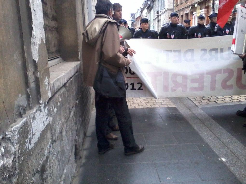 Photos de la manifestation à l'appel du NPA pour la venue de Hollande à Louviers le 05 Janvier 2013