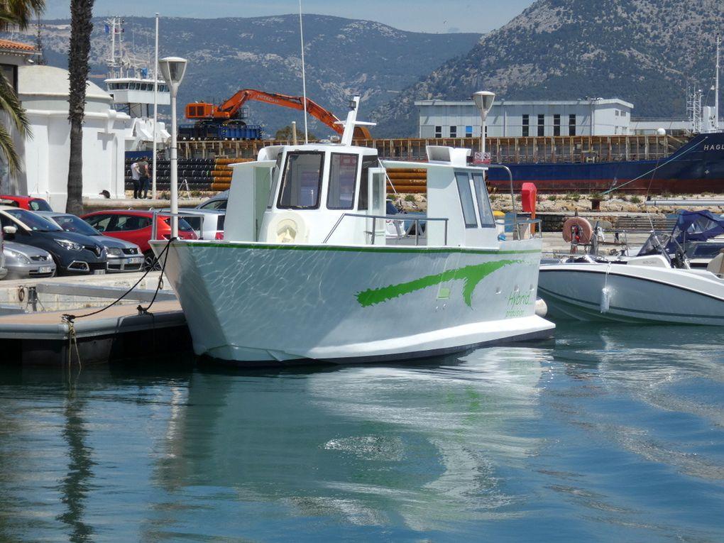 NINO , Navire a propulsion Hybride a quai dans le port de la Seyne sur Mer le 10mai 2019