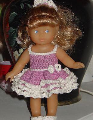Robe de Valentina..et sa capeline pour poupée chéries de corolle.