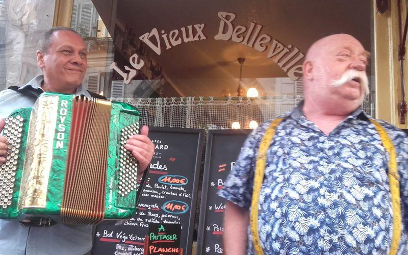 From My Balcony 19H58 Veronica invite Riton La Manivelle et Michel l'accordéoniste