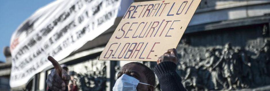 Sécurité globale : La Macronie manoeuvre en recul mais ne retire pas sa loi