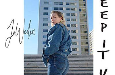 Jo Wedin séduit une fois de plus avec « Keep It Up » !