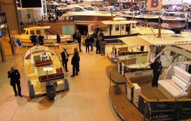 Vidéo & Photos - Innovation mondiale française chez Rhéa Marine sur le Nautic 2011