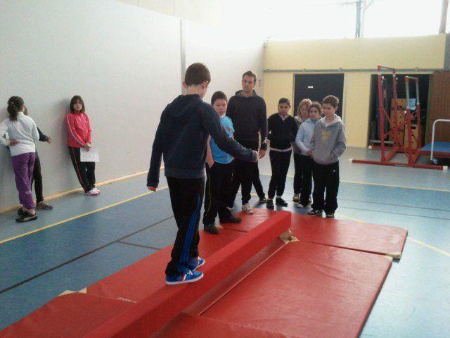 Album - Gymnastique en Cm2-Classe-Marie