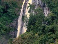 TREK DU MANASLU-NEPAL-16 ème Etape ( Chyamche - Syange)