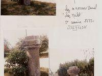 """Le graffiti a du être dessiné sur le mur du temple, le poids monétaire a été trouvé dans ce secteur, quand au cadran solaire il se trouve toujours sur le site du temple, dans une propriété privée. Quant à la colonne expiatoire elle se trouvait dans un jardin contigu au temple, le terrain où elle se trouvait se nommait... """" La croix du prêche """".  Retournons dans le présent avec notre belle météo.... on pouvait voir dans notre ciel les fameux fils de la Vierge."""