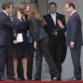 Photo Insolite: François Hollande scrute les fesses de Carla Bruni-Sarkozy - Doc de Haguenau