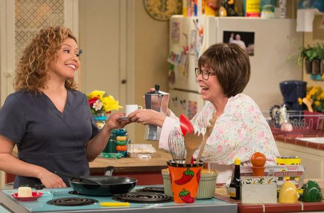 Critiques Séries : One Day at a Time (2017). Saison 1. Pilot.