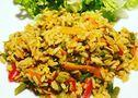 Riz aux œufs aux légumes et curry