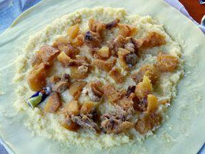 La garniture (vraiment, je vous conseille de mixer les fruits) et juste avant de passer au four