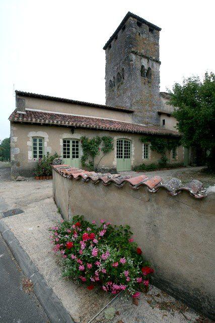 Diaporama église fortifiée de Bostens