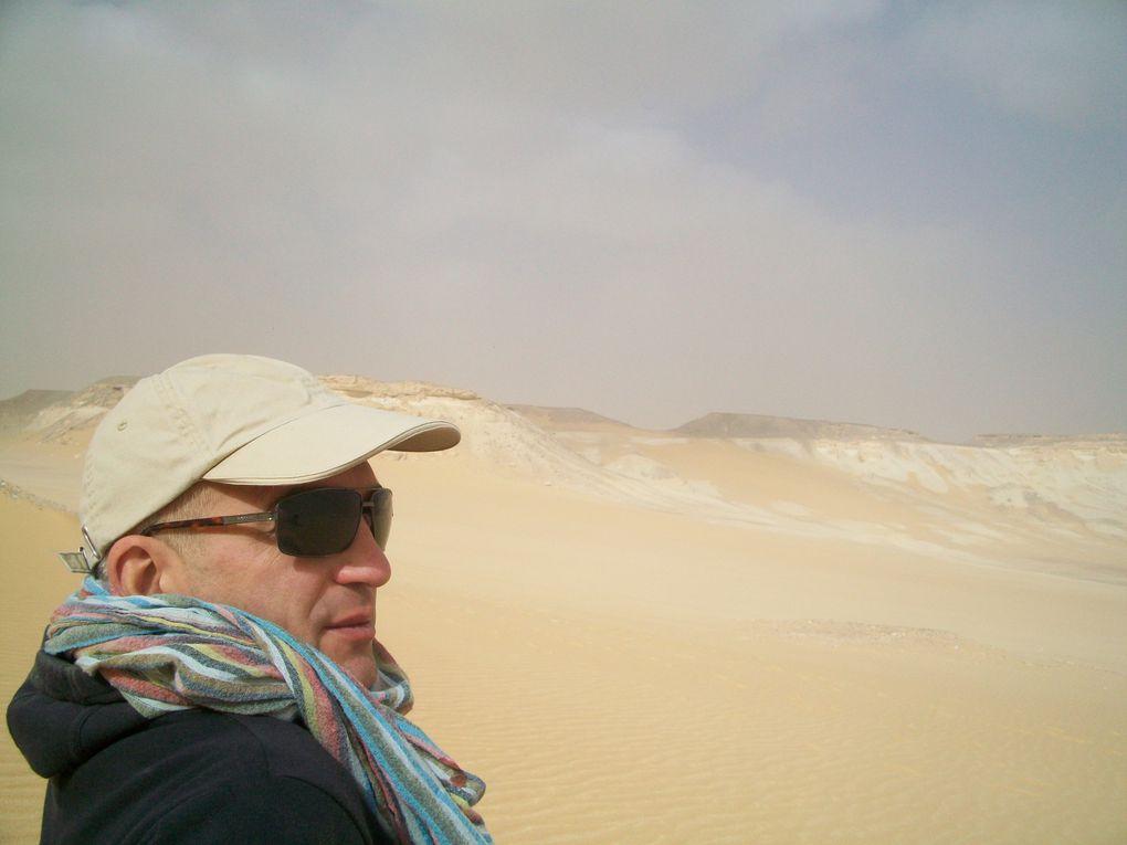 Une semaine dans le somptueux désert blanc, souvenir des fonds de mer qu'était le sahara ... et petite visite aux pyramides et dans Le Caire ancien tout de même ...