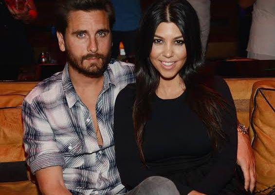 Les fans réagissent après que Kourtney Kardashian qualifie son ex Scott Disick de `` mon mari '' pendant ses vacances ensemble