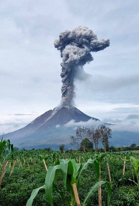 An eruption of Mount Sinabung, north Sumatra on May 7, 2021 at 9:08 a.m. WIB, with an ash plume observed ± 2800 m above the summit (± 5260 m above sea level). - photo Magma Indonesia