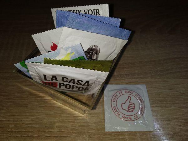 unboxing et découverte des préservatifs humoristiques et personnalisables Callvin @ Tests et Bons Plans