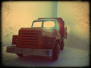 "Lampe ""Truck"" (disponible)"