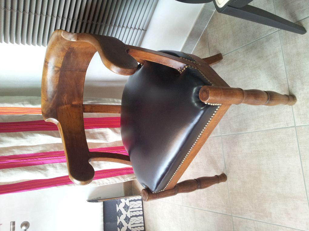 restauration complète traditionnelle fauteuil avec finition cuir et clous ARABESQUE La decoration sur mesure THIERS Puy de Dome 63 TAPISSIER DECORATEUR fauteuil rideaux stores tissus