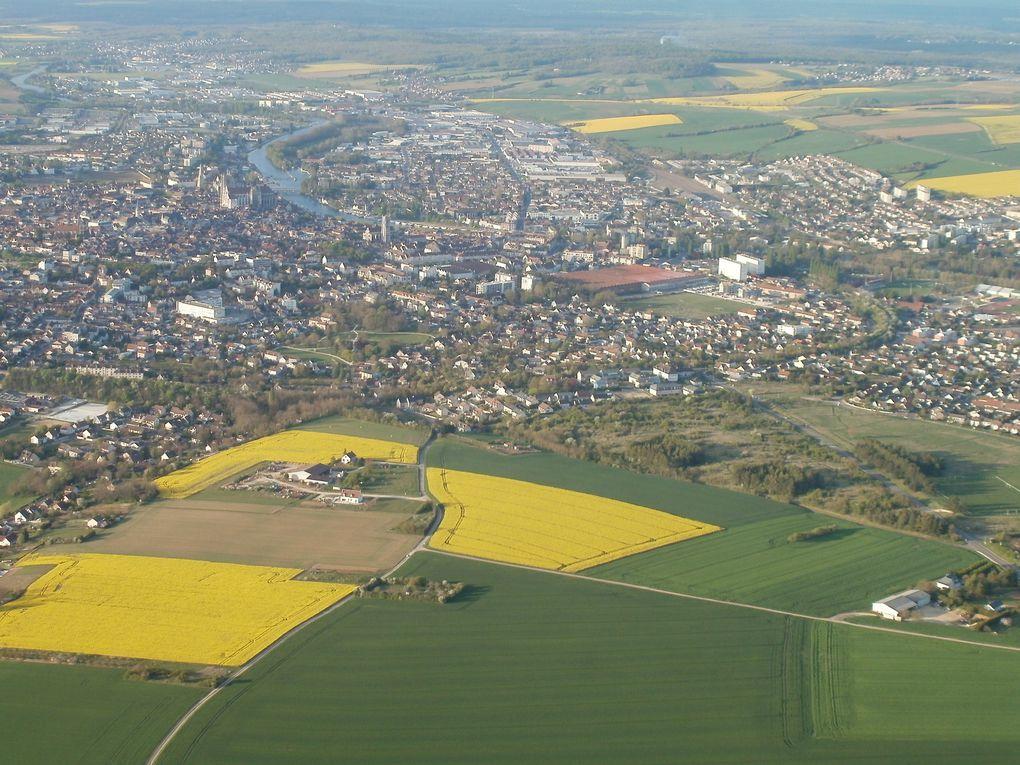 Après 6h36 et 2s de vol .... ouhaaa ...nous arrivons aux portes d'Auxerre encerclé de pavés jaunes.