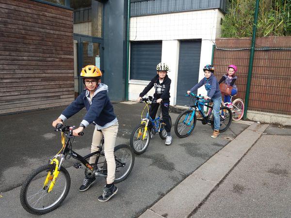 Initiation vélo sécurité routière des CM2 18.05.17