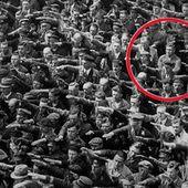 Vous avez tous vu cette célèbre photo. Découvrez l'histoire qui se cache derrière l'homme qui a refusé de faire le salut nazi